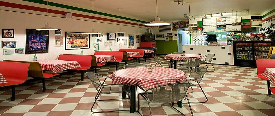 94 Interior Design For Pizza Shop